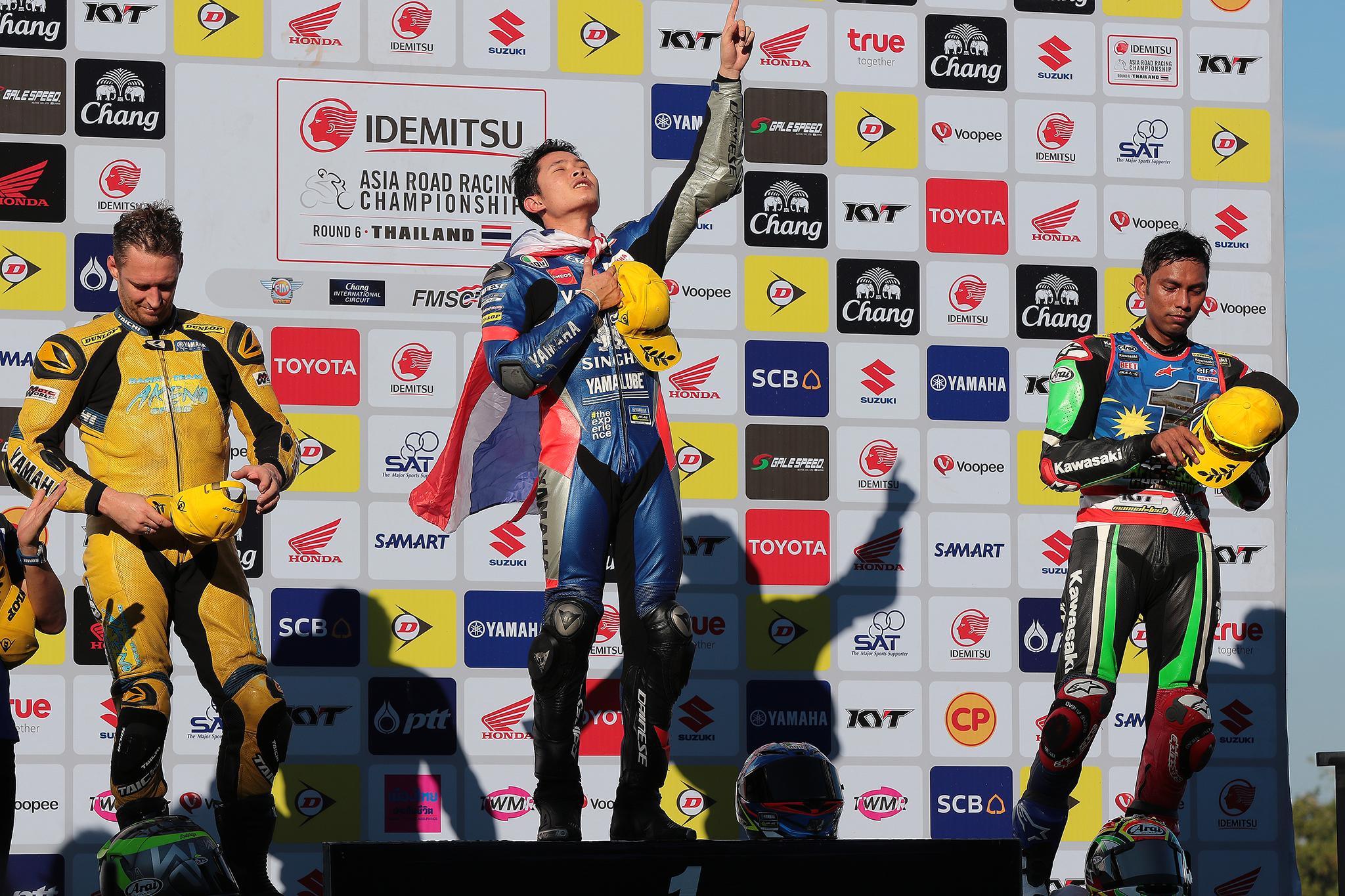แสตมป์-อภิวัฒน์ ฟอร์มเฉียบคว้าเบิ้ลแชมป์เรซ2 ARRC2017 R6 ที่บุรีรัมย์